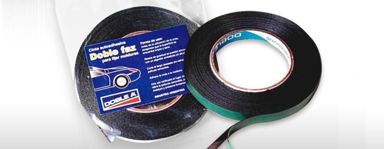 bc3a945aa Cinta de espuma de polietileno expandido para fijación de molduras de  automóviles.